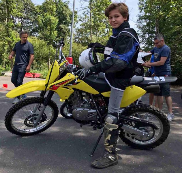 MOTO  JUNIOR- 2h confirmé (10 et 15 ans) sur Suzuki DR-Z 125