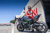 Philippe Monneret atteint 357 km/h au Paul-Ricard au guidon de la Kawasaki H2R, en 2015.